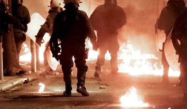 ΔΕΘ – Επεισόδια ακροδεξιών: Έσπασαν μαγαζιά και επιτέθηκαν σε θαμώνες