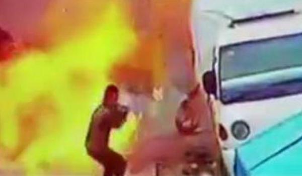 ΗΠΑ: Έκρηξη με στόχο Αμερικανούς πεζοναύτες Την ευθύνη ανέλαβε η οργάνωση ISIS