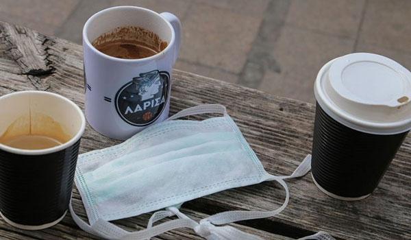 Μείωση ΦΠΑ στον καφέ: Γιατί δεν είδαν διαφορά στην τσέπη τους οι καταναλωτές